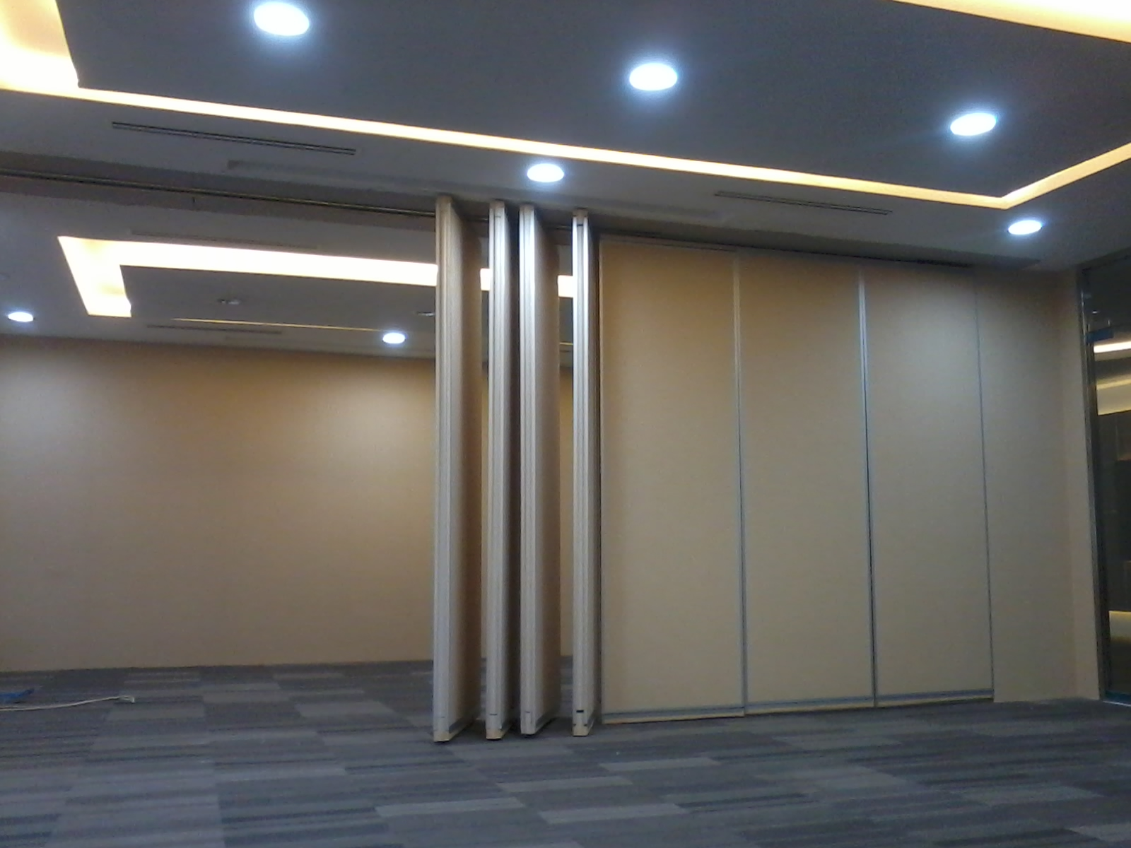 Partisi Geser Lipat Bank BNI Jakarta